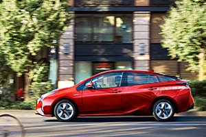 carlineup_prius_gallery_2_01_pc
