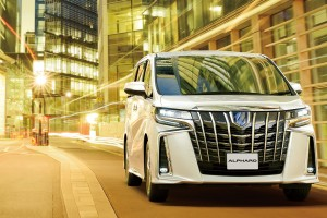 carlineup_alphard_top_fact_exterior_02-2_pc